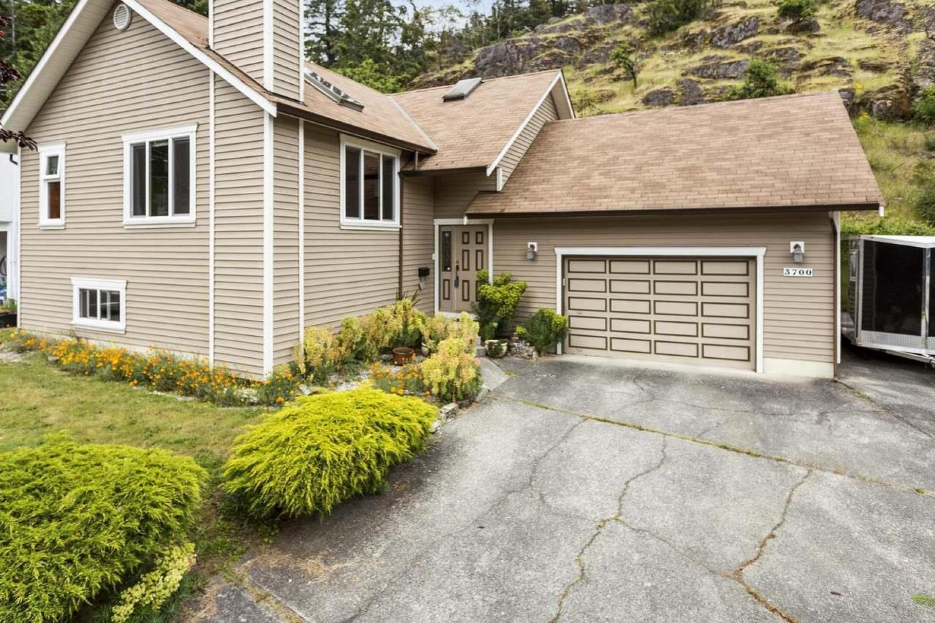 3700 Howden Drive, Uplands, Nanaimo