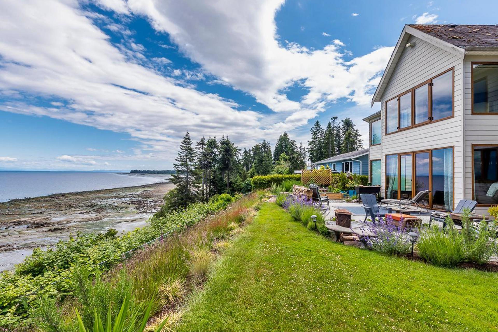 4085 S Island Highway, Campbell River Central, Campbell River