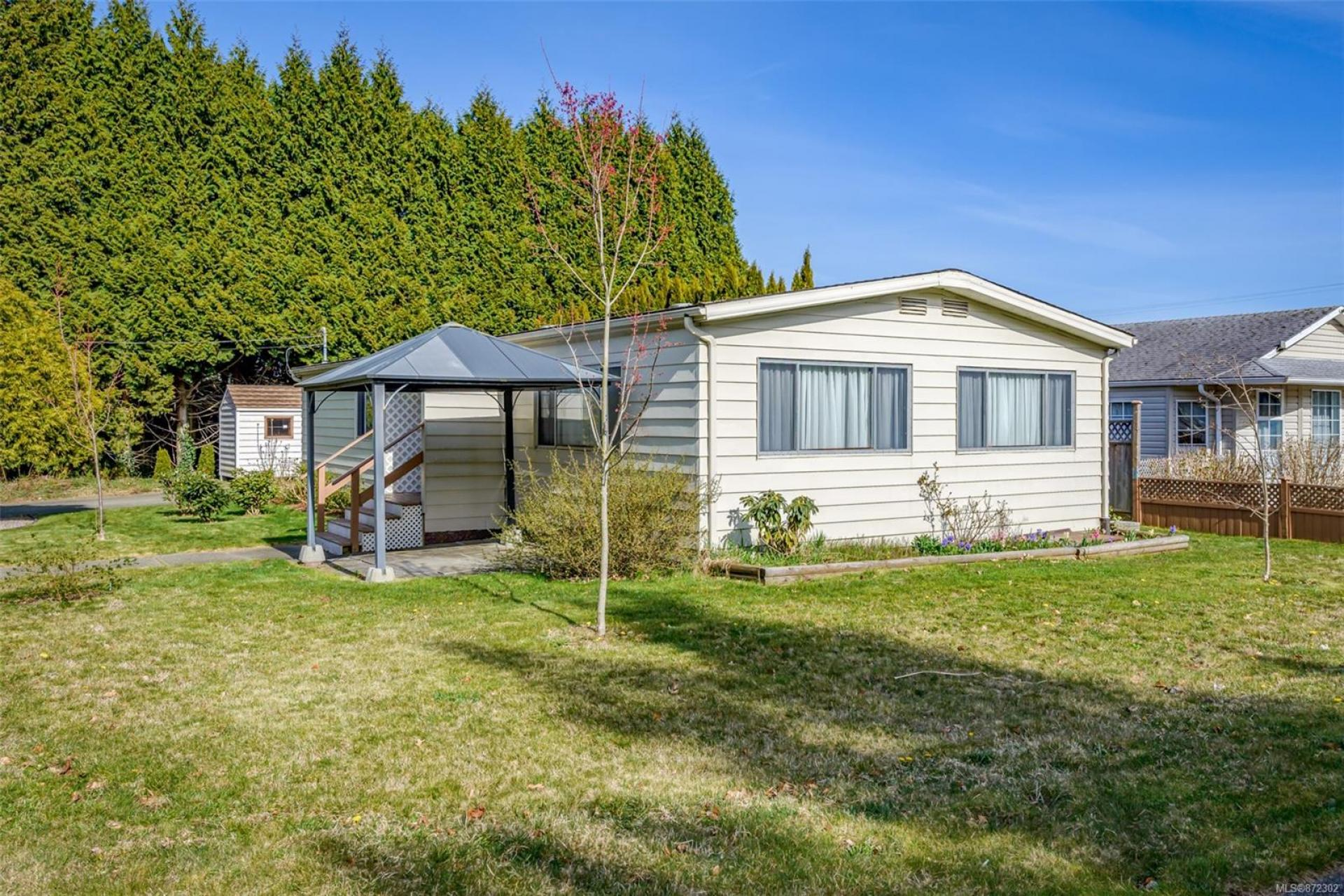 2205 E 4th Street, Courtenay East, Comox Valley