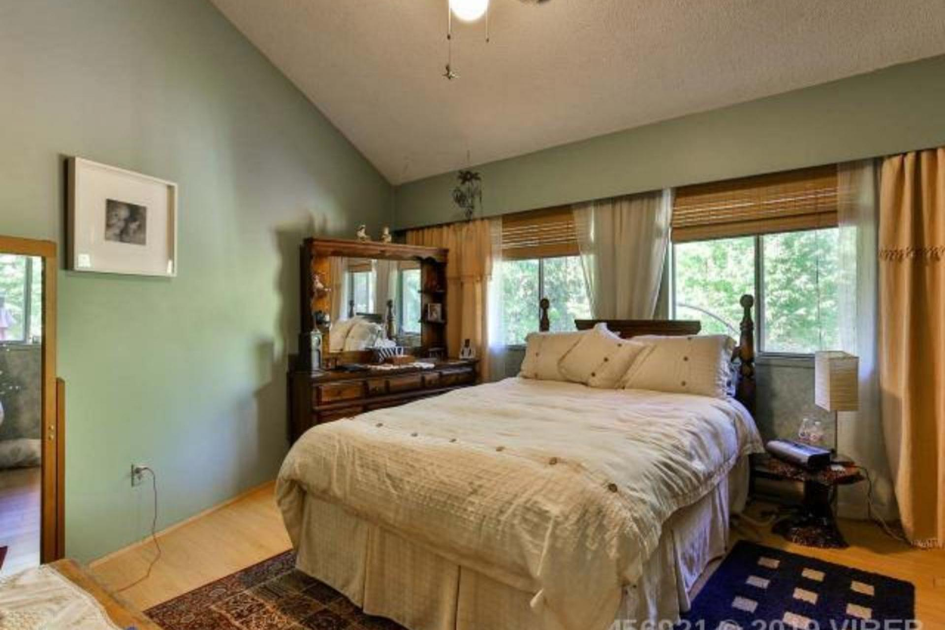 2875 Penrith Avenue, Cumberland, Comox Valley