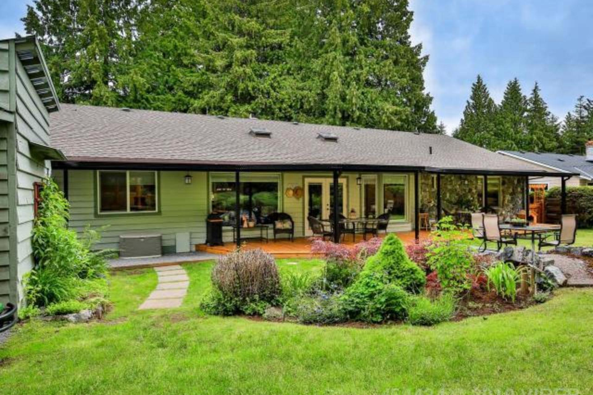 745 Canyon Crescent Road, Qualicum Beach, Oceanside