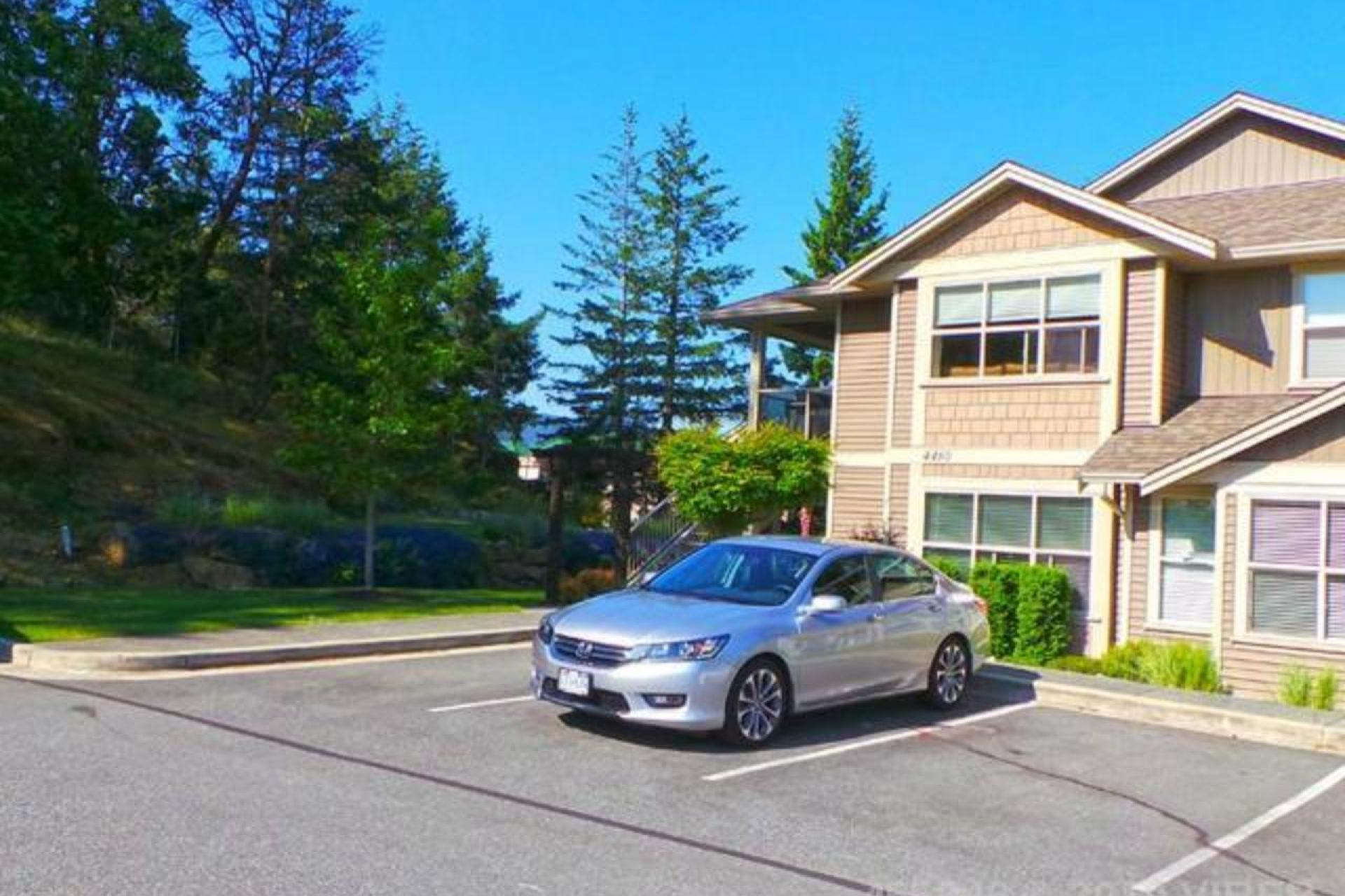 201 - 4460 Hedgestone Place, Uplands, Nanaimo